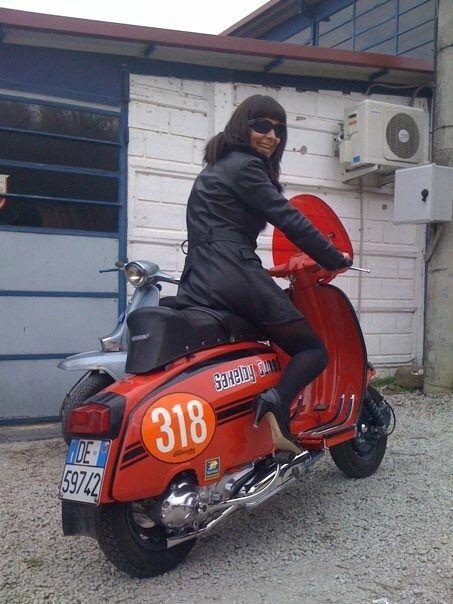Lambretta สีส้ม