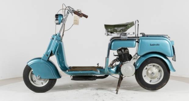 lambretta model m สีฟ้า